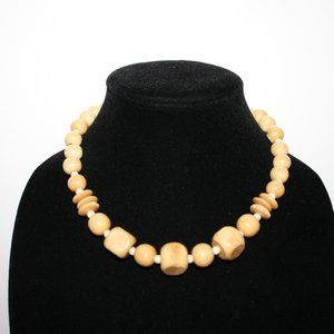 """Beautiful vintage wooden bead necklace 16"""""""